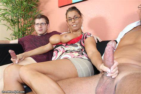Stepmother Pervert Gives Penetration On The Couch