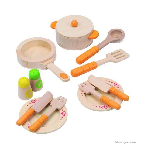 cuisine pour jouer assiette couvert cuisine pour jouer à la dinette jouet en