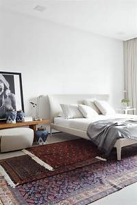 la suite parentale beaucoup didees en 52 photos inspirantes With tapis rouge avec canape lit beige