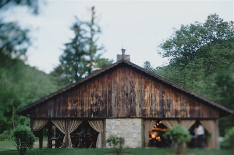 rustic barns wisconsin rustic barn wedding rustic wedding chic