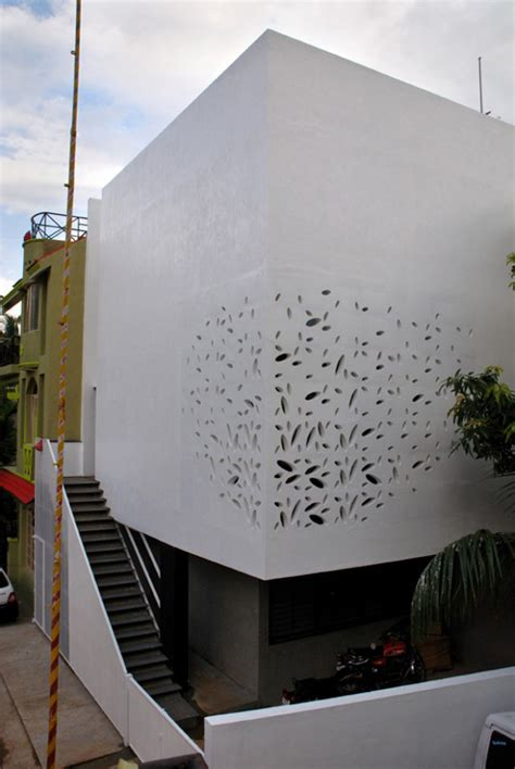 india house design  amazing exterior walls  courtyard modern house designs