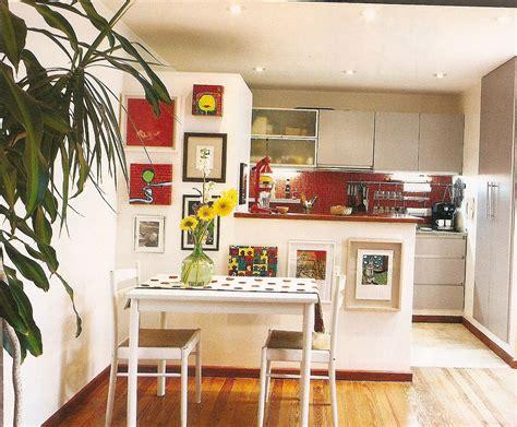 departamento  division entre cocina  pequeno comedor  barradecorada  marcos