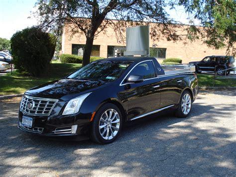 Cadillac Car : Metropolitan Cadillac Flower Car