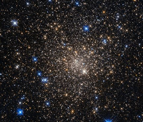 A Home For Old Stars Esahubble