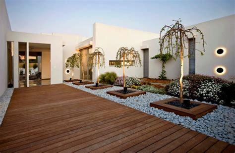 captivating modern landscape designs   modern backyard
