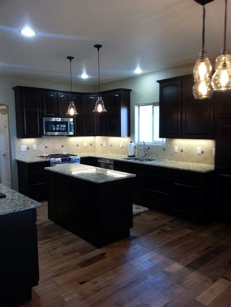 lighting for kitchen cabinets 58 best images about home floors on woods 9442