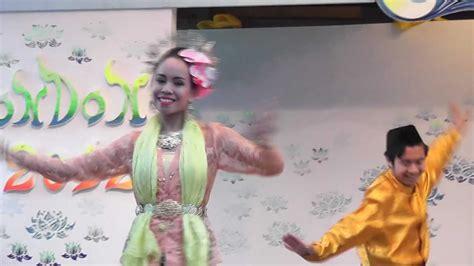 Likay Hulu ลิเกฮูลู Dance, Loi Kratong Festival, Thai Wat