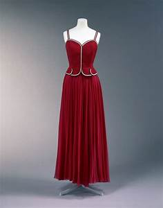 Evening dress | Coco Chanel | V&A Search the Collections