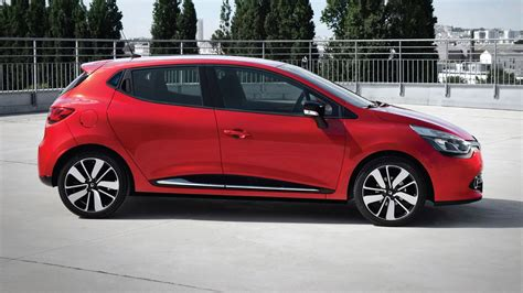 Renault Clio Diesel by Renault Clio Dynamique Medianav 1 5 Dci 90 2015 Review