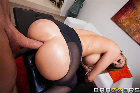 Blake Rose Rips Her Pantyhose For Deep Anal Sex Of