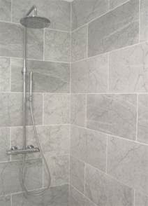 small bathroom shower tile ideas best 25 small bathroom tiles ideas on bathrooms bathroom ideas and tiled bathrooms