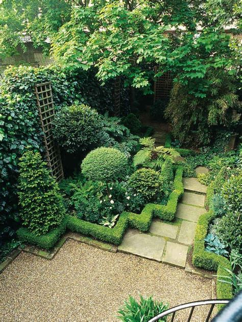 hedge gardens zig zag hedge divides garden border from walkway planting design pinterest gardens garden