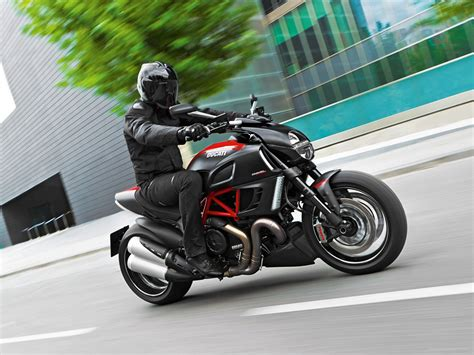 ducati diavel 2012 car photo ducati diavel 2012 car photo 05 of 39 diesel station