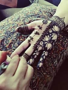 Henna Selber Machen : ideen und anleitung zum henna tattoo selber machen ~ Frokenaadalensverden.com Haus und Dekorationen