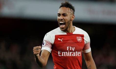 Arsenal's Aubameyang seizes moment with all-action display ...