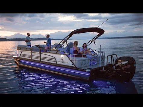 regency boats   le sport luxury pontoon boat