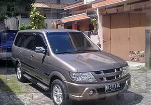 Gambar Mobil Isuzu Panther