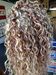 3 Hot Curly Hair With Blonde Highlights Pics That Will Take Your Breath Away Black Women's