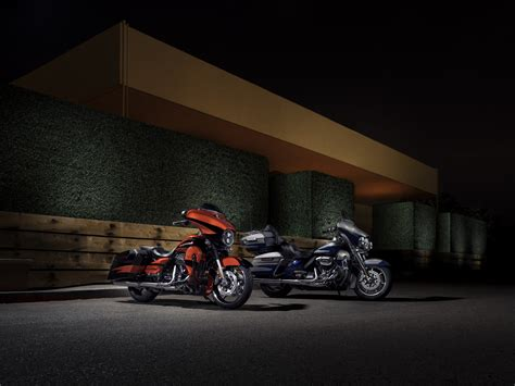 Harley Davidson Cvo Limited Hd Photo by 2017 Harley Davidson Cvo Limited Photo Gallery And Specs