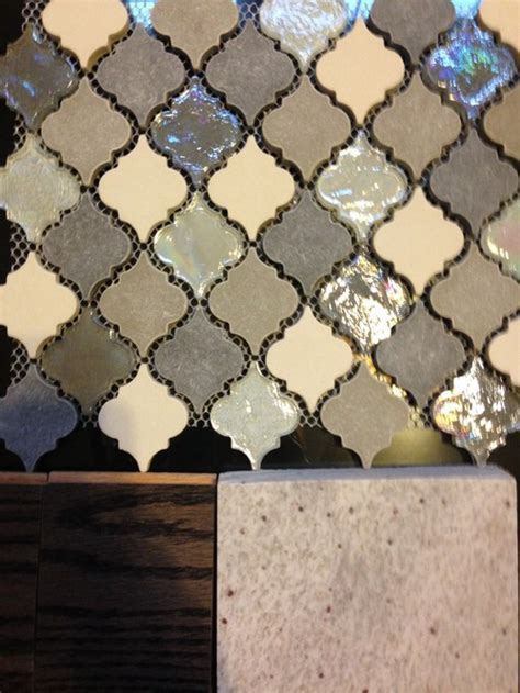 How to choose a grout color for a mutli colored mosaic tile