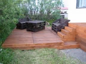 do a wooden deck with palletsdiy pallet furniture diy