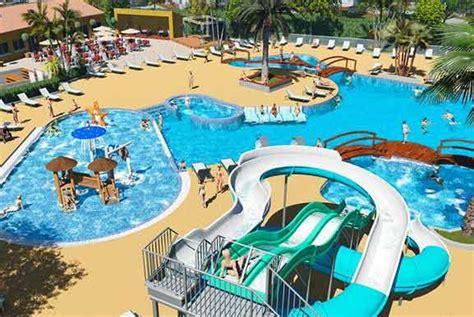 cing var avec parc aquatique cings 83 jeux bassins piscines aquatiques