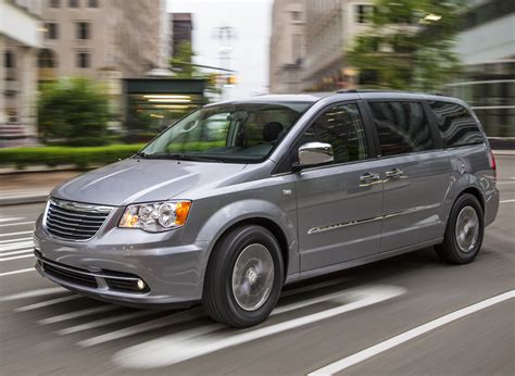 2014 Chrysler Town & Country  Overview Cargurus
