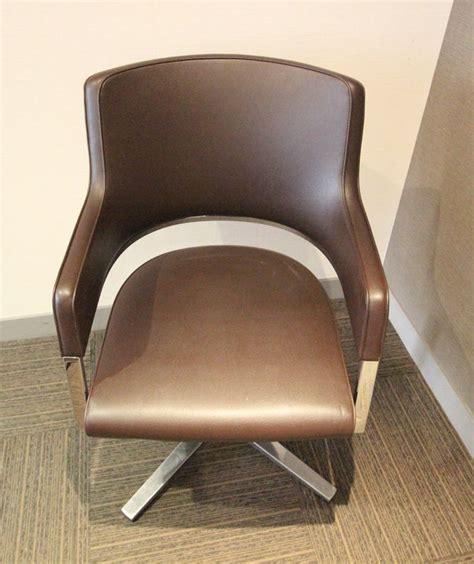 nespresso siege fauteuil gondole a dossier bandeau a garniture en cuir