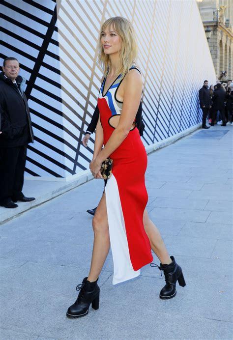 Karlie Kloss Louis Vuitton Fasion Show Paris Fashion