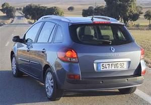 Fiche Technique Renault Clio : fiche technique renault clio 1 2 16v 75 eco2 aliz 2011 fiche technique n 142548 ~ Medecine-chirurgie-esthetiques.com Avis de Voitures
