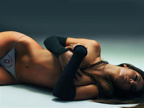 Nackt  Gabriela Barros Newest Celeb