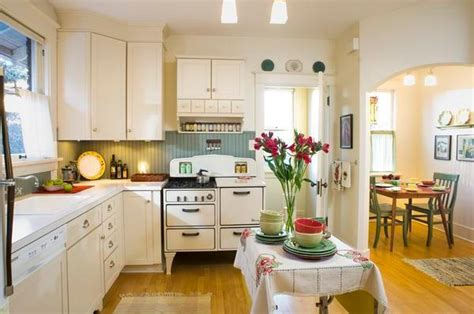 1930 style kitchen cabinets integrity is watchword for bungalow restoration consultant 3810