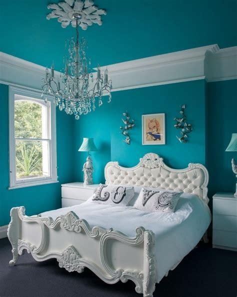 bleu chambre 1001 idées pour une chambre bleu canard pétrole et paon