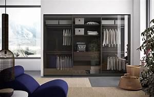 Kleiderschrank Mit Glastüren : kleiderschrank im poliertem aluminium und klare glast ren idfdesign ~ Whattoseeinmadrid.com Haus und Dekorationen