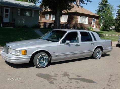 1991 LINCOLN TOWN CAR - Image #1