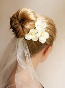 coiffure mariage chignon ponytails and buns simple and easy wedding hairstyles for hair sparkle