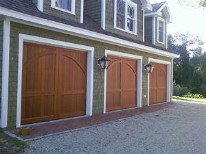Traditional Carriage Garage Doors : Stately Carriage