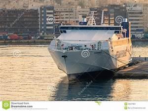 Vitesse De Croisière : bateau de croisi re grande vitesse grec photo stock ditorial image 43527853 ~ Medecine-chirurgie-esthetiques.com Avis de Voitures