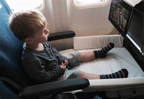 siege bebe avion bed box de jetkids un lit pour enfant dans l 39 avion bb