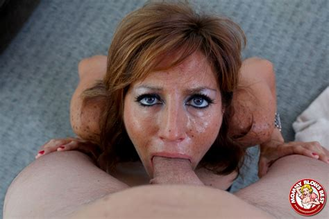 tara holiday busty redhead milf giving a blowjob xxx gallery for mommy blows best
