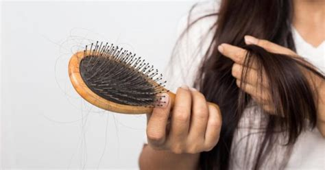 Hair loss and Thinning Hair in Women: Possible Causes and