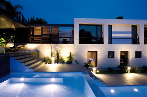 Moderne Häuser Mit Pool by Modernes Haus Und Pool Mit Beleuchtung Ctx
