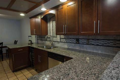 new caledonia cabinets backsplash ideas