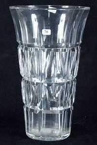 Grand Vase Design : grand vase en cristal taill design jean sala vers 1930 st louis ht 30 cm vente aux ench res ~ Teatrodelosmanantiales.com Idées de Décoration