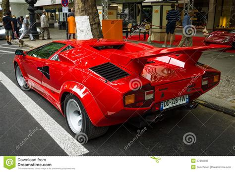 Luxury Sports Car Lamborghini Countach 5000 Quattrovalvole
