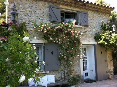 le jardin d une maison en provence 5 photos legrenierdalice