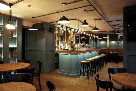 moderne cafe inrichting d hondt interieurinrichting brasserie in sfeervolle