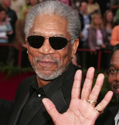 59 Famous People Who Are Lefthanded  Beautiful, Editor