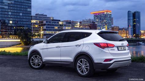 Hyundai Sante by Comparison Hyundai Tucson Gls 2016 Vs Hyundai Santa