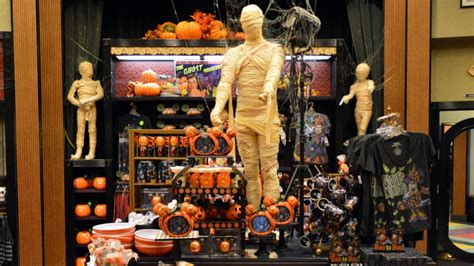 villains  vogue   halloween merchandise decor